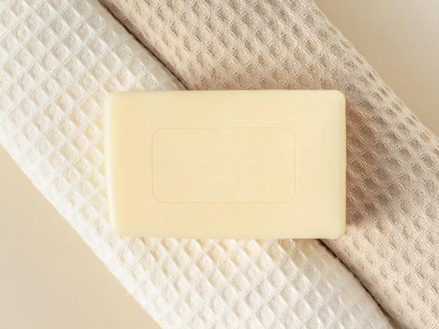 Sapone e asciugamani fatti a mano