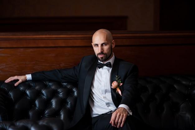 Un bell'uomo calvo è un aristocratico.