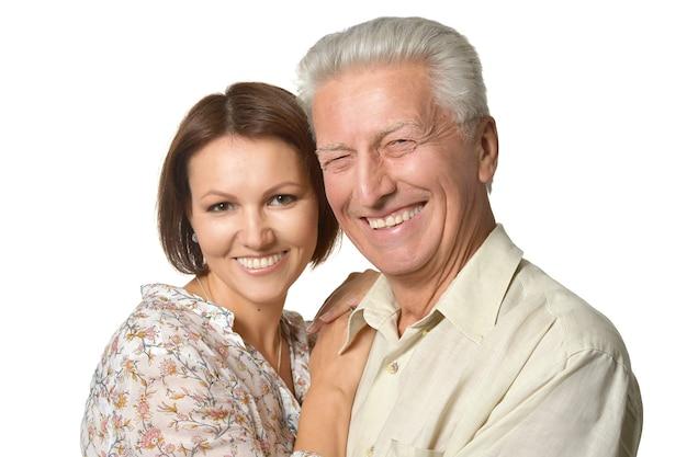 Padre e figlia felici su sfondo nero