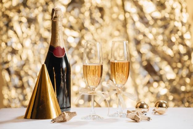 Felice anno nuovo - champagne e serpentino