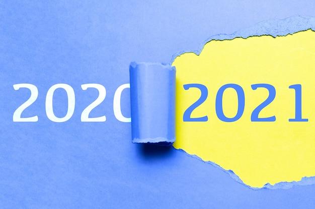Felice anno nuovo, nuovo inizio, nuova pagina di vita; concetto di risoluzione