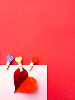 Buon san valentino 2021. cuori. colori rosso e rosa. cartolina