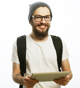 Felice giovane uomo barbuto Foto Premium