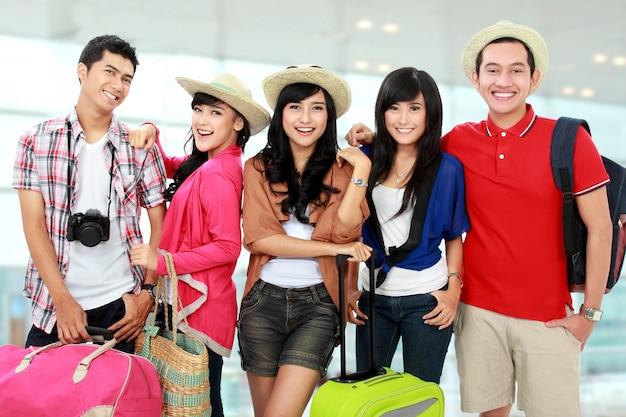 Felice giovani in vacanza