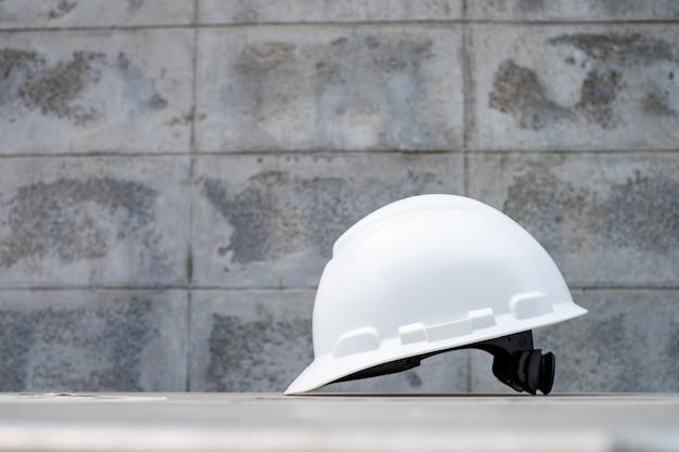 Cappello rigido per casco di sicurezza per progetto di sicurezza, dpi per lavoro sicuro Foto Premium