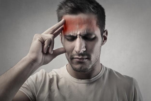 Avere un problema di mal di testa