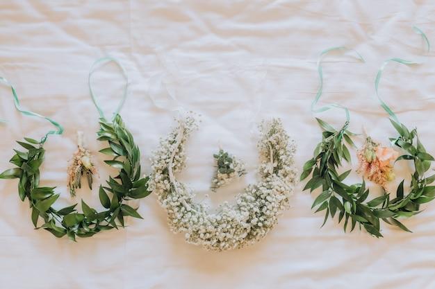 Corona di copricapo decorata al matrimonio