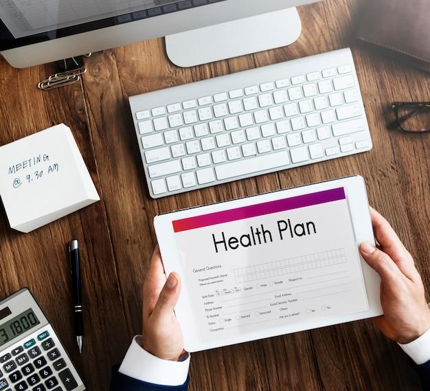 Concetto di modulo di documento medico di trattamento del piano sanitario