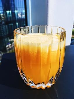 Bevanda salutare, vitamine di frutta e menu di bevande, succo d'arancia fresco in un ristorante di lusso all'aperto, cibo...