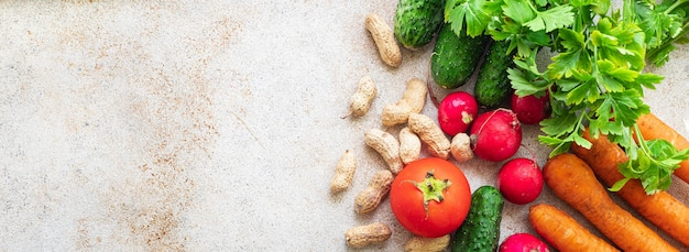 Cibo sano verdura fresca raccolta frutta verdura biologica sana vegana o cibo vegetariano