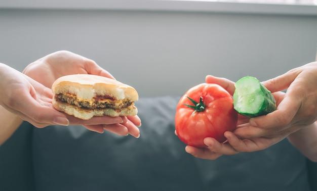 Cibo sano vs fast food