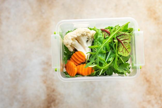 Pasto sano contenitore menu settimanale porzione di scatola pranzo mangiare alimenti dietetici biologici freschi