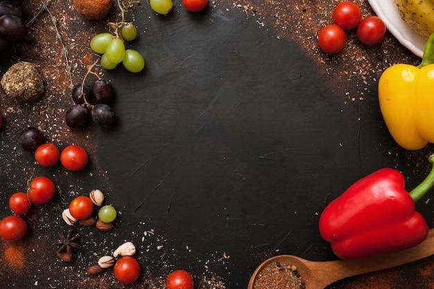 Cornice di ricetta cibo rustico sano