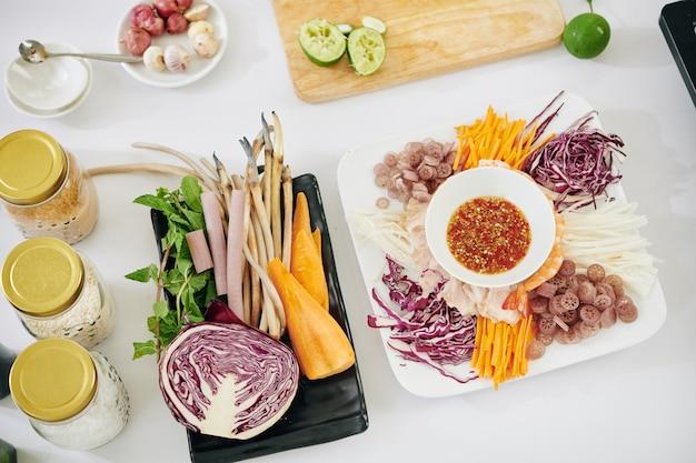 Ingredienti sani dell'insalata