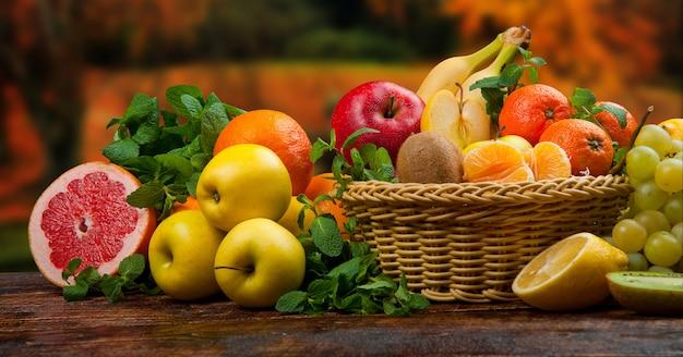 Frutta e verdura sane e saporite Foto Premium