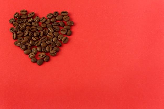 Cuore di chicchi di caffè