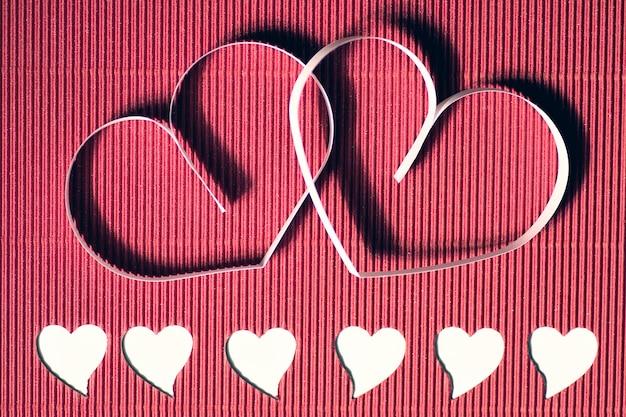 Carta a forma di cuore rossa