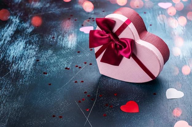 Scatola di cioccolatini a forma di cuore