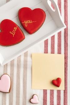 Biscotti a forma di cuore di san valentino
