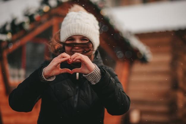 Mani a forma di cuore