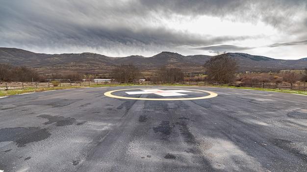 Eliporto in montagna con pista di atterraggio