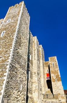 La grande torre del castello di dover di enrico ii nel kent england, uk