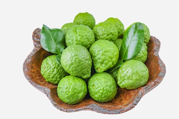 Olio essenziale biologico a base di erbe da frutto di bergamotto, concetti cosmetici biologici.