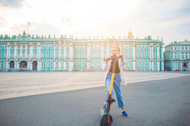Eremo sulla piazza del palazzo, san pietroburgo, russia