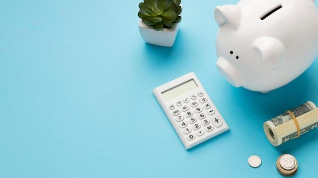 Disposizione ad alto angolo di elementi finanziari