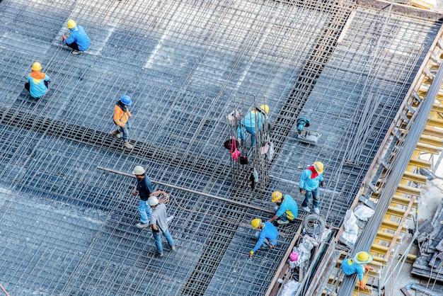 Lavoratori edili ad alto angolo