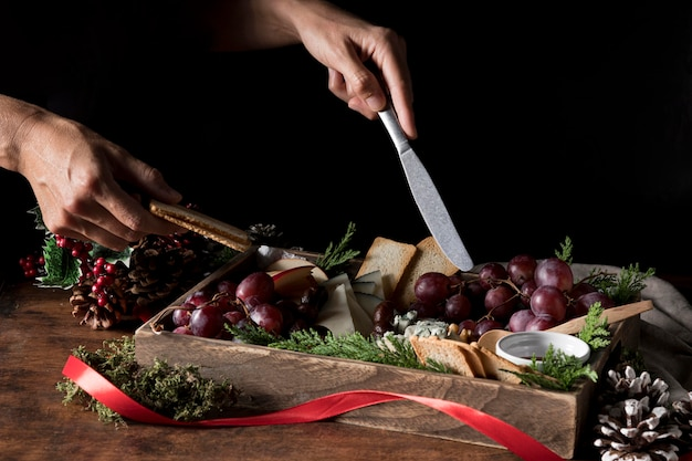Assortimento di cucina natalizia tradizionale ad alto angolo