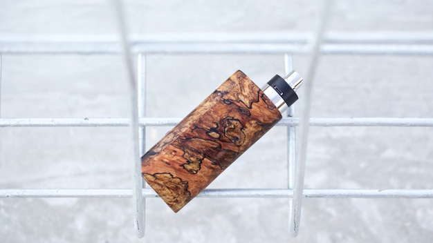 Mod di scatola di legno stabilizzata naturale di fascia alta con atomizzatore gocciolante ricostruibile, dispositivo di svapo, messa a fuoco selettiva
