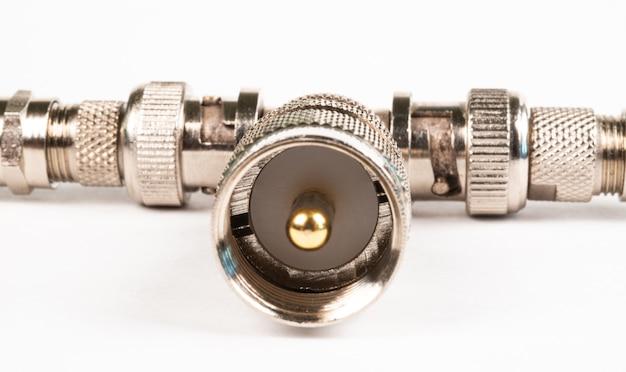 Componente per connettori ad alta frequenza con rivestimento in rame nichelato lucido