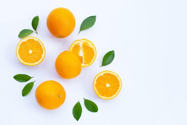 Alto contenuto di vitamina c frutta arancione fresca e succosa