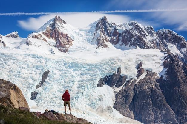 Escursione nelle montagne della patagonia, in argentina