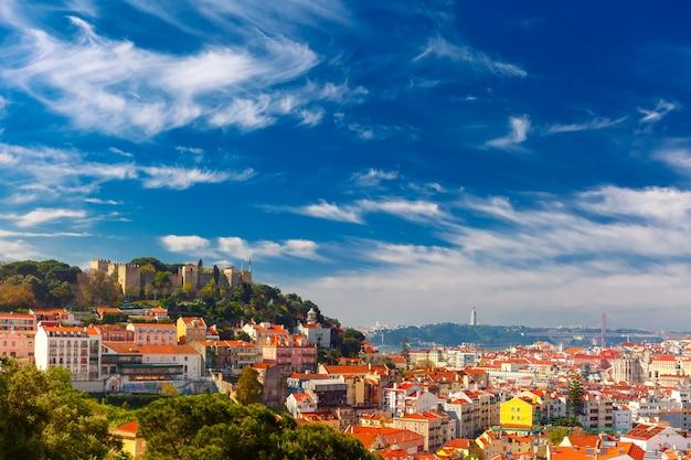 Centro storico di lisbona in giornata di sole, portogallo
