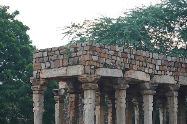 Immagini storiche della vecchia struttura all'aperto della vecchia struttura in india