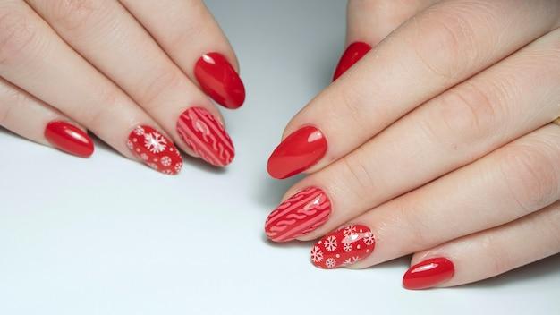 Holliday nails