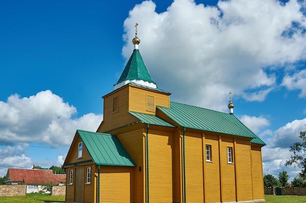 Chiesa della santissima trinità, bielorussia, distretto di myadzyel, knyaginin