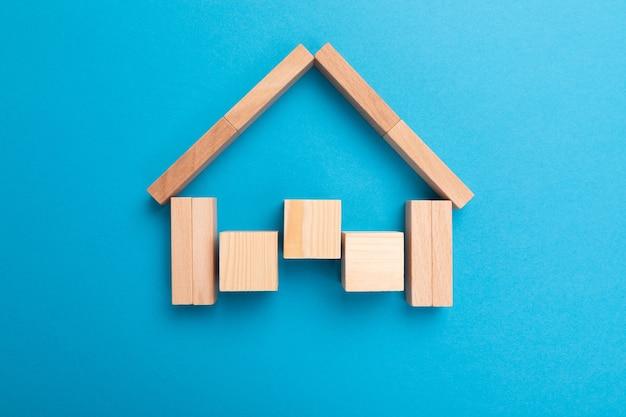 Concetto di assicurazione sulla casa, contratto di prestito e investimento immobiliare.