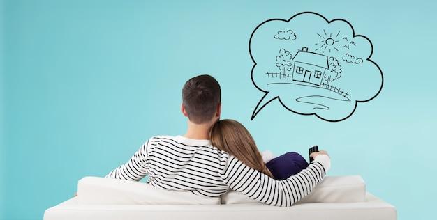 La casa pensa alla casa dei sogni, compra la coppia che possiede