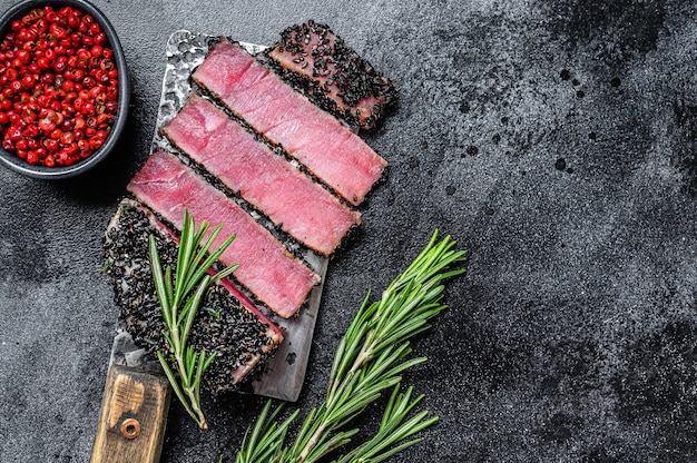 Bistecca di tonno al sesamo alla griglia tagliata in casa