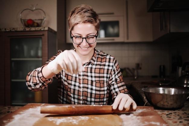 Pan di zenzero fatto in casa per il giorno di san valentino.