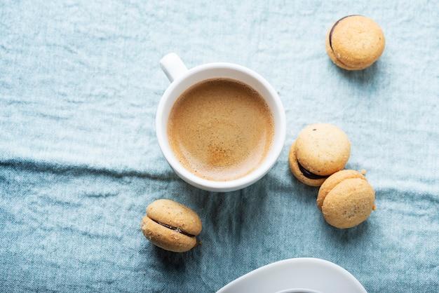 Biscotti fatti in casa alla nocciola italiana