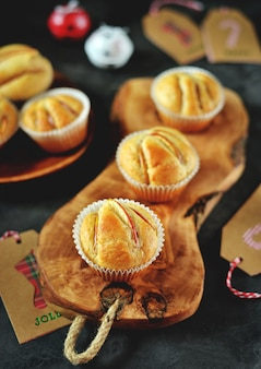 Muffin fatti in casa con cannella e mele