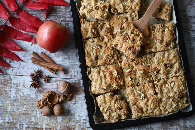 Biscotti di farina d'avena fatti in casa. dolci salutari. cucinare a casa. cottura fatta in casa.