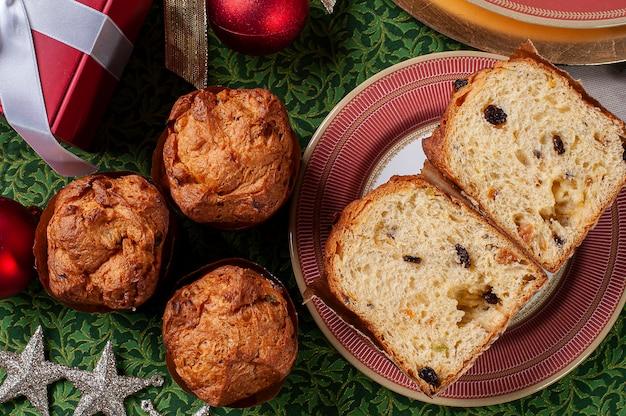 Panettone artigianale tradizionale dolce natalizio