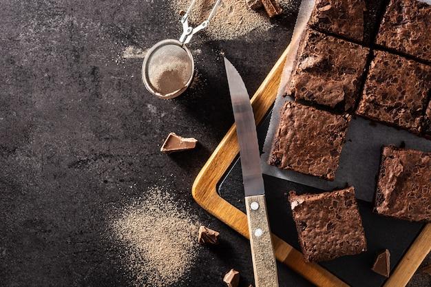 Pezzi di brownies fatti in casa