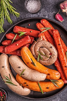 Salsiccia cruda fatta in casa per grigliare