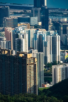 Paesaggio della città del porto di hong kong victoria, centro commerciale urbano con torre di costruzione dello skyline, scena del distretto asiatico dell'architettura del grattacielo vista da viaggiare